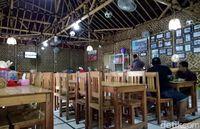 Wong Kudus: Sedep Tenan! Garang Asem Ayam Kampung yang Gurih Meresap