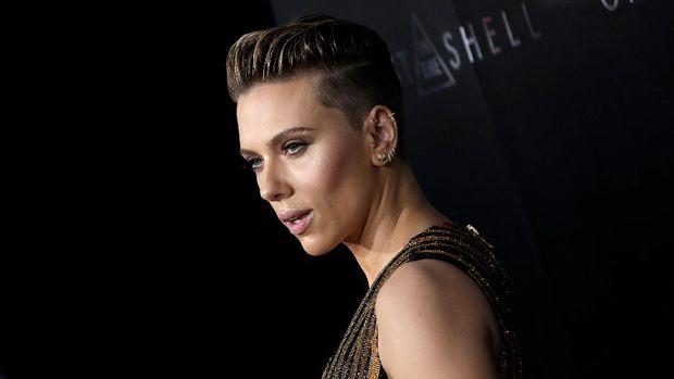 Scarlett Johansson masih akan memainkan Black Widow.
