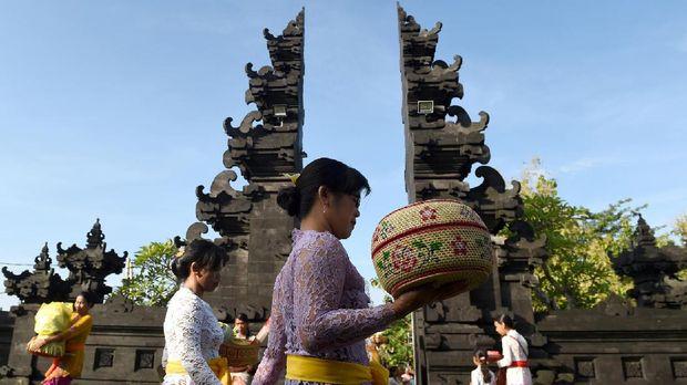 Suasana Bali dianggap membuat banyak orang terbuai karena ketenangannya