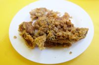 Bulaluhan Sa Espana: Gurihnya Sup Tulang Sumsum dan Ikan Goreng Gaya Warteg Manila