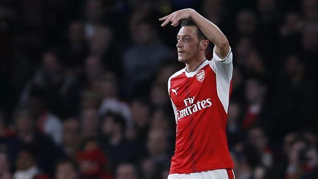 Kontrak Mesut Oezil akan berakhir pada akhir tahun ini bersama Arsenal. (