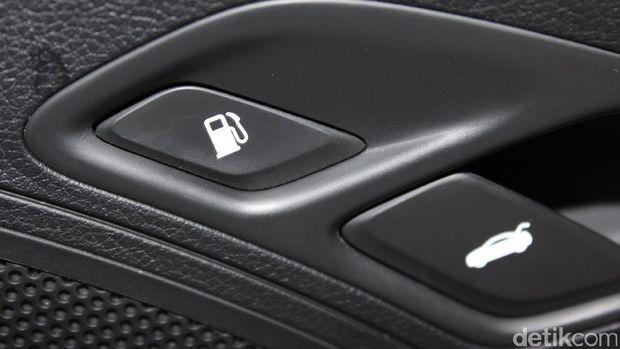 Tombol Pembuka Tutup Tangki Mobil Keluaran  Pintu  Jok