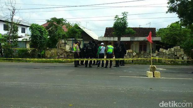 Enam Terduga Teroris Tewas di Tuban, Salah Satunya Satra Aditama