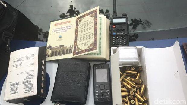 Paspor Hingga Peluru Diamankan dari Terios Pelaku Penembakan