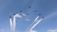 HUT ke-71, TNI AU 'Lukis' Gambar Hati di Langit Jakarta