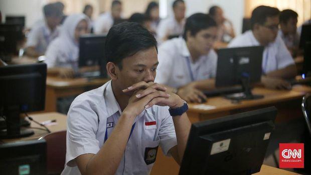 Berbagai penolakan datang ketika Mendikbud ingin menerapkan konsep full day school.