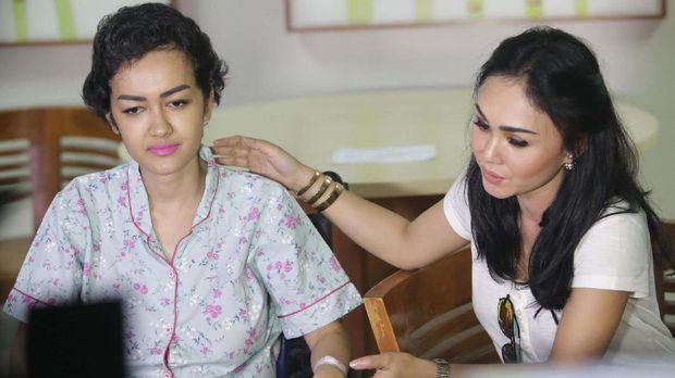 Jupe sudah memulai perawatan intensif di RSCM akibat kanker serviks sejak empat bulan yang lalu.
