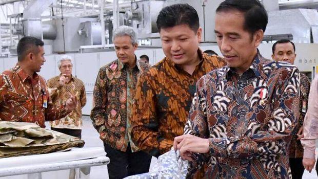 Jokowi: Orang RI Suka Barang Impor, Harusnya Cintai Produk Dalam Negeri