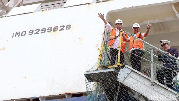 Ini Rute Pelayaran Kapal Raksasa yang Bersandar di Priok