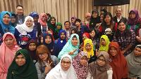 Jelang Kedatangan Jokowi, Nusron Temui Buruh Migran di Hong Kong