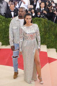 Kim Kardashian dan Kanye West.