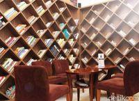 Koffie Tijd: Menikmati Kelezatan Sate Pak Kromo Dalam Suasana Kolonial