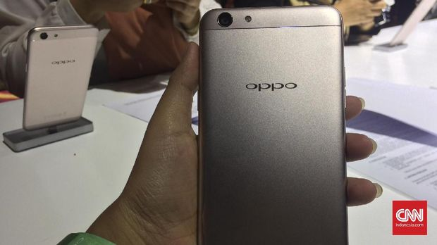 Oppo F3, Ponsel <i>Dual Camera Selfie</i> Harga 4,4 Juta