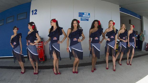 Umbrella Girls di Spanyol