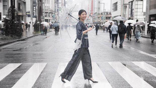 Pesona Tenun Tanimbar Maluku Tenggara Eksis di Ginza, Tokyo