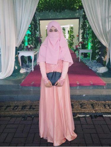 Foto: Gaya Stylish Wardah Maulina, Hijabers Bercadar