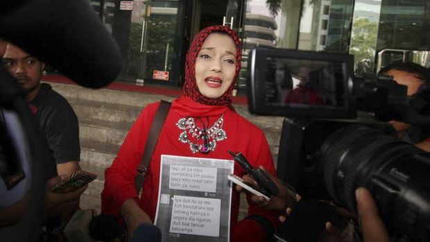 Baru-baru ini, Marissa Haque membeberkan 'rahasia' sang adik, Soraya, di depan publik.