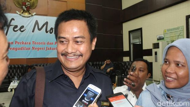 Ketua PN Jakut yang juga hakim ketua sidang perkara Ahok, Dwiarso Budi Santiarto memberikan keterangan kepada wartawan, Rabu (17/5/2017) Foto: Pool/Kurniawan Mas'ud