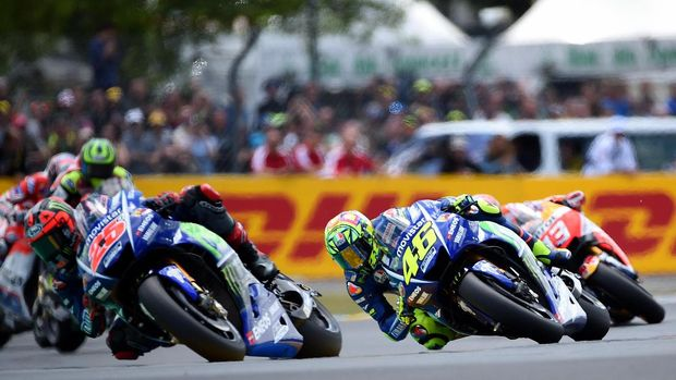 Valentino Rossi dan Maverick Vinales berada di papan atas klasemen pebalap musim 2017.