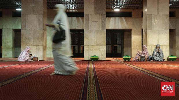 Tempat beribadah menjadi fasilitas wajib dalam wisata halal. (CNN Indonesia/Hesti Rika Pratiwi)