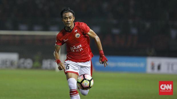 Maman Abdurrahman menjadi salah satu calon peserta kursus lisensi C AFC yang masih aktif bermain.