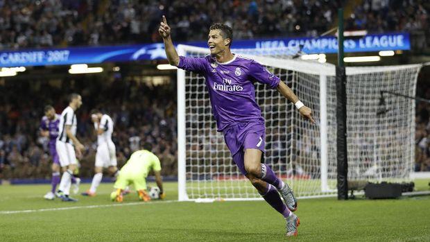 Ronaldo mencetak dua gol ke gawang Juventus.