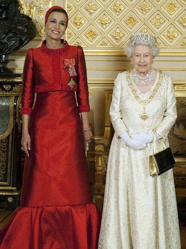 5 Fakta Tentang Sheikha Mozah, Istri Emir Qatar yang Stylish