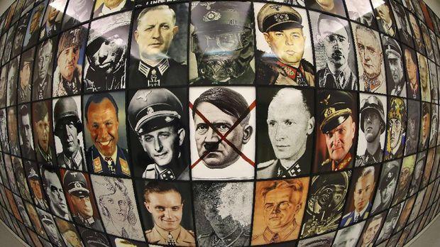 Di museum atau galeri di luar negeri, hal-hal berbau Nazi justru dengan bangga dipamerkan.