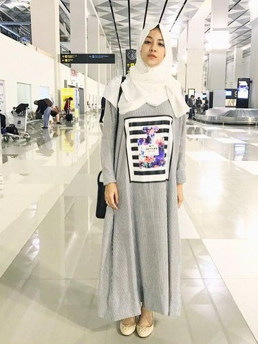 Inspirasi Baju Lebaran Dengan Gamis Nagita Slavina Hingga