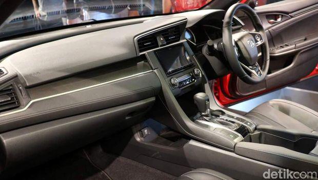 Interior mobil Honda Civic Hatchback Turbo