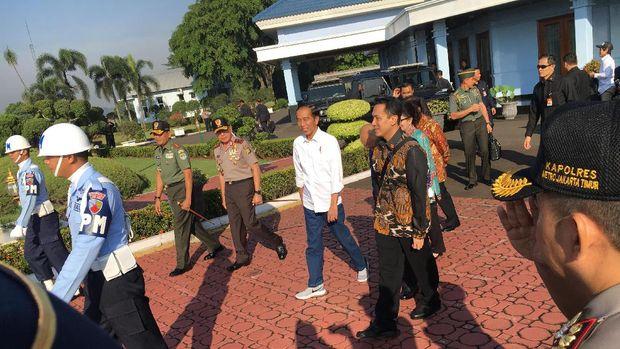 Presiden Jokowi melakukan kunjungan kerja ke Tasikmalaya.
