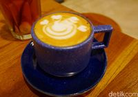 Dua Coffee Shop: Bersantai Sambil Menikmati Cappuccino dan Pasta Verdo