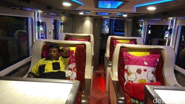 Bus Bertingkat Serasa Pesawat di Aceh Jadi Idola Pemudik