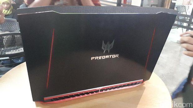 Acer Boyong Laptop Gaming Predator Helios 300