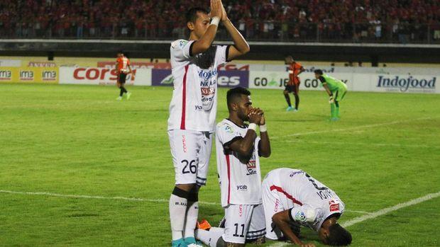 Manajemen Bali United masih merahasiakan besaran bonus jika timnya juara. (