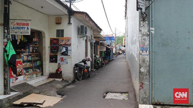 Tangkiwood yang dahulu kampung artis, kini jadi permukiman padat penduduk.