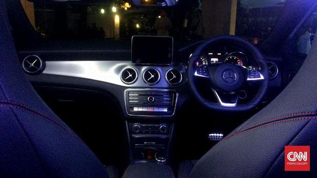 Interior kabin Mercedes-Benz GLA 200 AMG Line