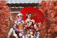 Syahrini dan adiknya sedang berada di Jepang
