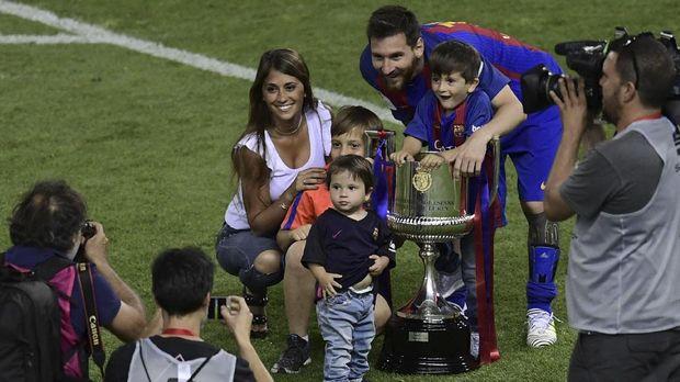 Messi dan keluarga kecilnya