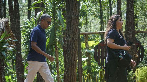 Obama mengunjungi berbagai obyek wisata di Yogyakarta termasuk puncak becici