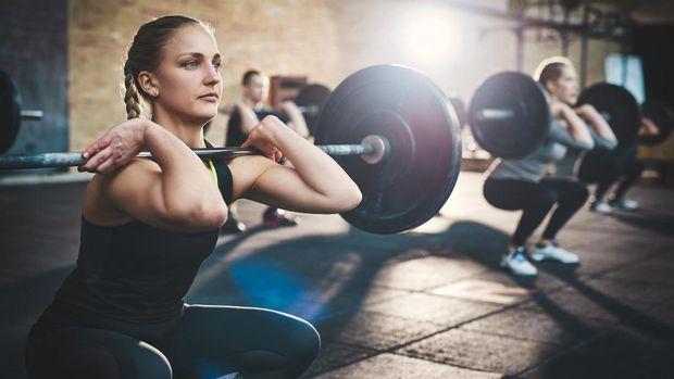 Latihan beban untuk lower body bisa membantu mengurangi timbunan lemak di paha