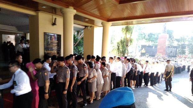 Halal bihalal ini dihadiri perwira dan pejabat Polri.