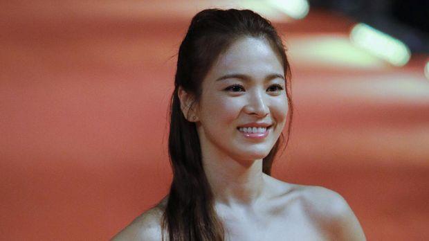 Song Joong Ki menganggap Song Hye Kyo adalah perempuan paling tepat untuknya membangun keluarga.