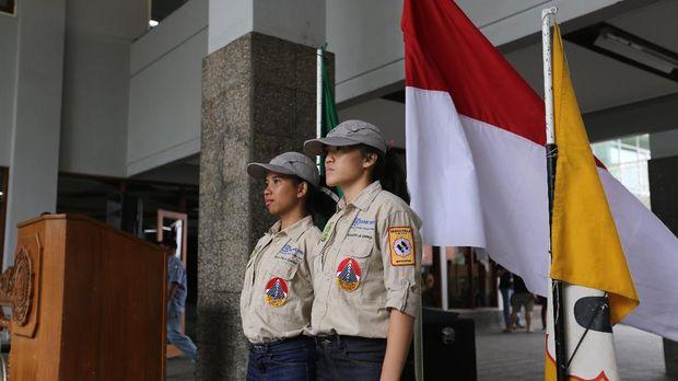 Dua Mahasiswi Unpar 'Taklukkan' Gunung Tertinggi di 6 Benua