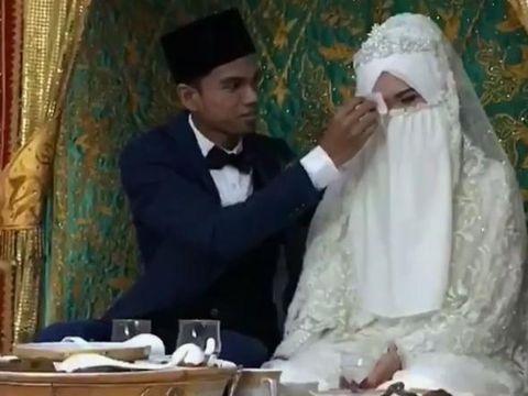 Pernikahan Muzammil Hasballah Dengan Sonia Ristanti