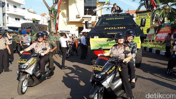 Polisi Surabaya Lepas Danrem Bhaskara Jaya yang akan Pindah Tugas