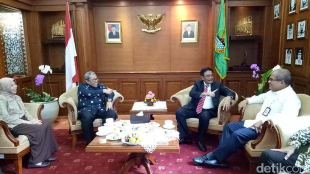 Naik Kereta ke Bandung, Djarot dan Aher Sepakat Kelola Blok Migas