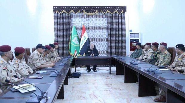 PM Irak Haider al-Abadi saat menemui pasukan militer di Mosul