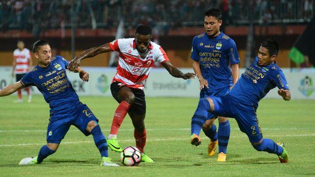 Persib Siap Hadapi Piala Presiden Bersama N'Douassel