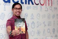 Novel 'Anak Rantau' Ahmad Fuadi Laku Lebih dari 20 Ribu Eksemplar